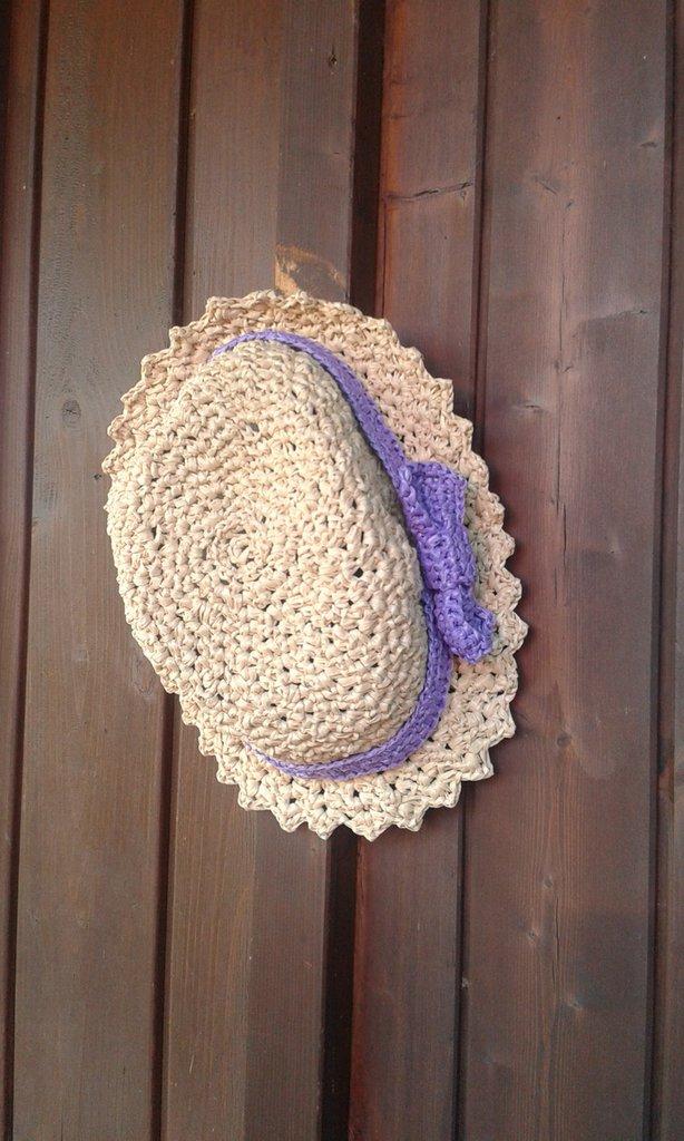 cappello in raffia fatto a mano 2