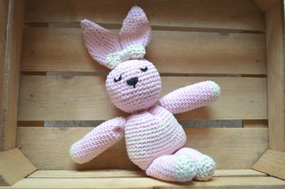 """Coniglietto rosa """"Alice"""" amigurumi"""