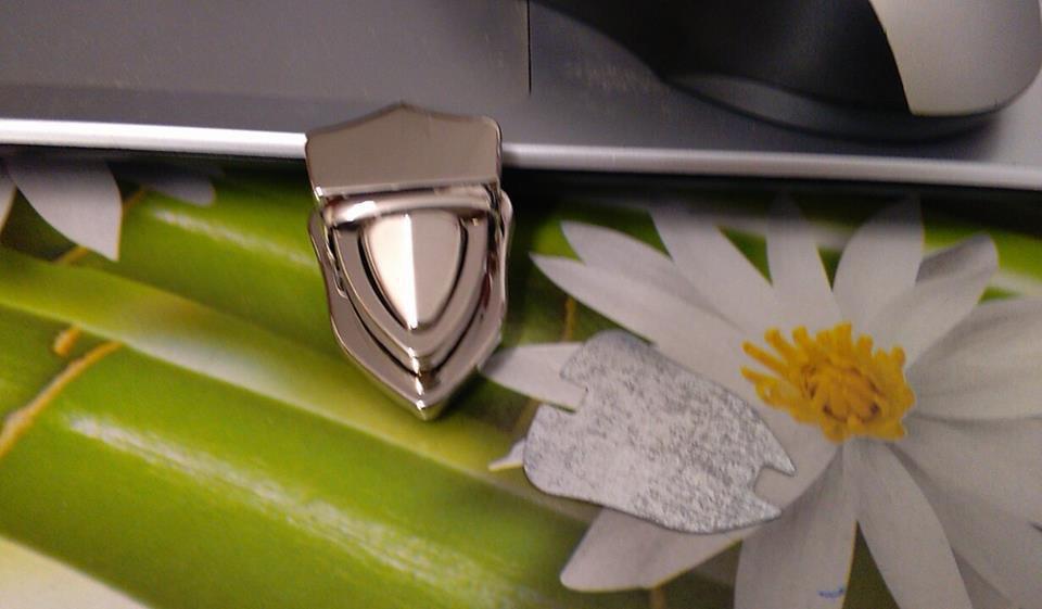 chiusura a cartella  argento