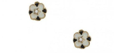 orecchini a fiore bianchi e neri