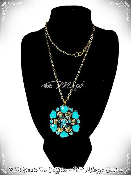 Collana Maxi Ciondolo Fiore con strass e pietra Howlite - Azzurro