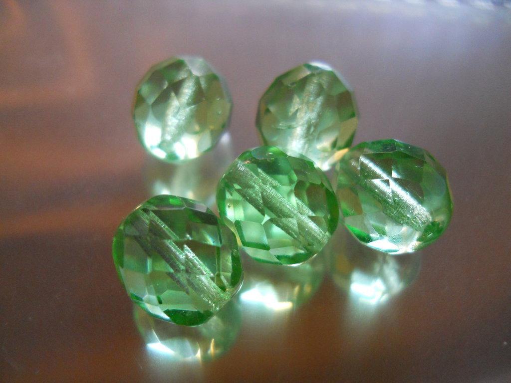 10 PERLE CRISTALLO SFACCETTATO - 10MM - verde chiaro