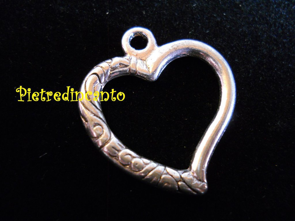 CIONDOLO CUORE ARGENTATO . DSCN9037