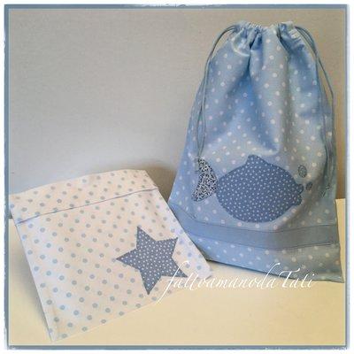 Sacchetto primo cambio o asilo in cotone azzurro a pois bianchi con pesciolino e busta coordinata con stella