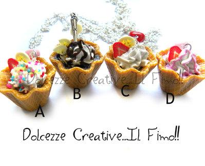 MODELLO C - Collana coppa gelato fiore waffle con panna, cioccolato, caramelle, glassa fragole e frutta miniature