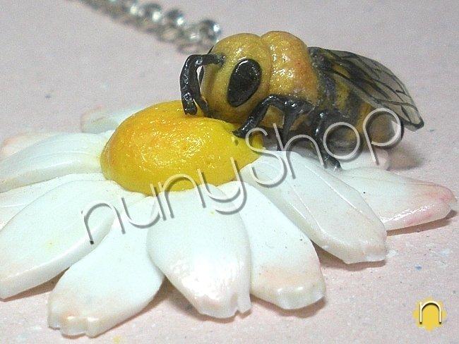 Collana fiore e ape