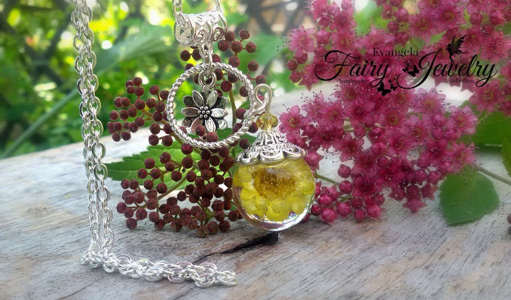 Collana fiore naturale resina gioielli botanici giallo girasole