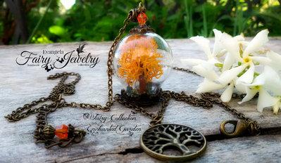 Collana albero della vita fatto a mano in miniatura con materiali naturali arancione