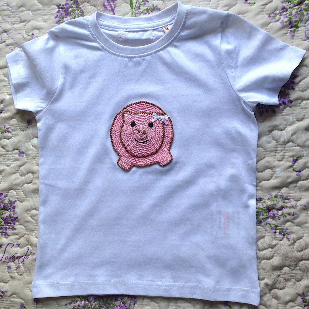 Maglietta bianca con maialina rosa fatta a mano all'uncinetto - bimba 4 anni