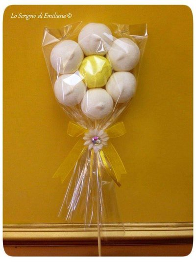 Spiedino fiore marshmallow bomboniera