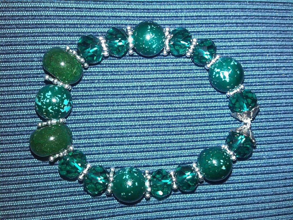 Bracciale verde luminoso