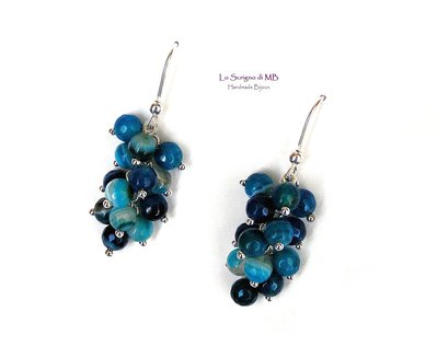 Orecchini grappolo perle di agata blu striata