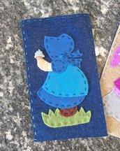 porta cellulare in panno lana e feltro decorato con Sue Sunbonnet che mangia il gelato