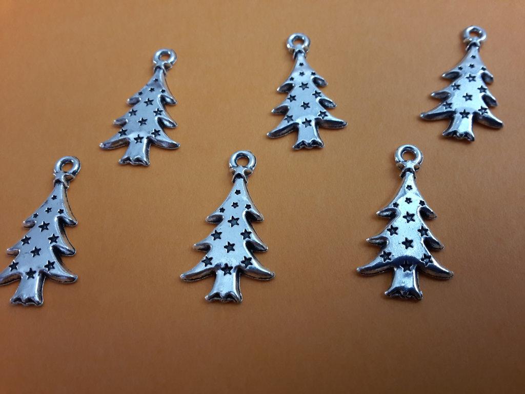 6 charms ciondoli 'Alberi natalizi' argento tibetano