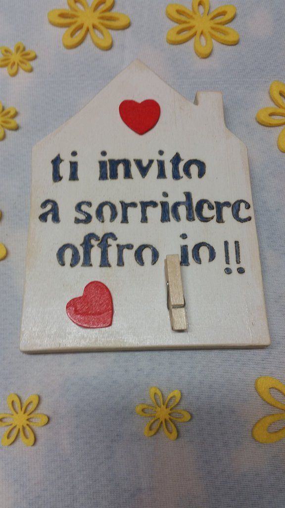 """Casetta in legno """"TI INVITO A SORRIDERE"""""""