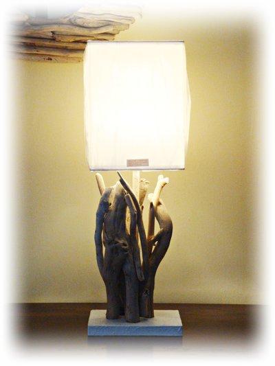 KRISTEN lampada con legni mare