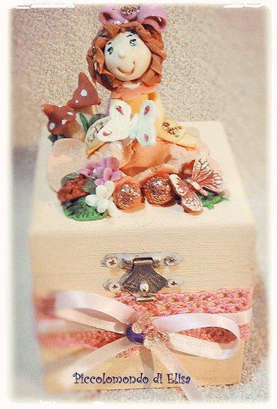 scatolina portagioie con bambolina