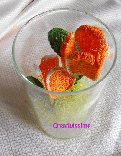 Tulipani arancioni all 39 uncinetto in vaso di vetro fatto for Tulipani arancioni