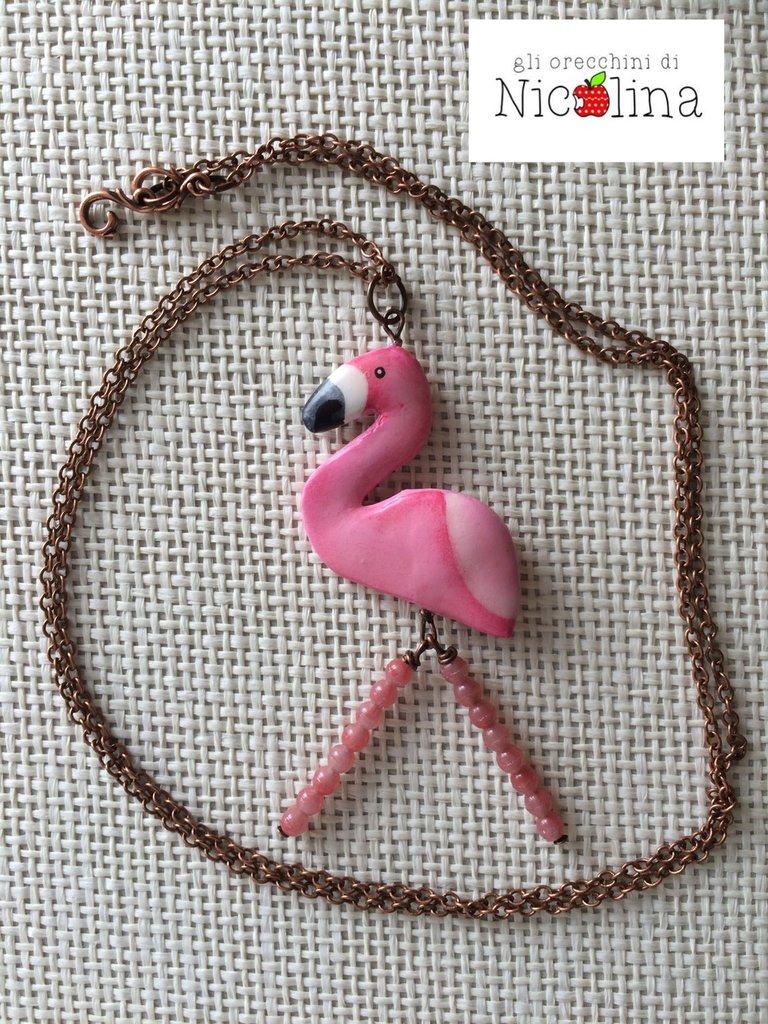 Collana lunga fenicottero rosa in cartapesta e perline in vetro