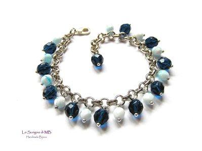 Bracciale con charms di mezzi cristalli blu e azzurro