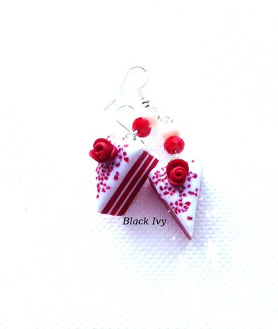Orecchini pendenti fette di torta red velvet