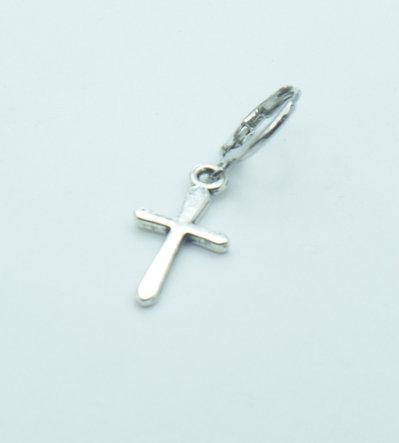 Orecchino singolo a cerchietto con pendente a forma di Croce