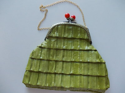 BORSETTINA IN PELLE VERDE CHIUSURA CLUTCH