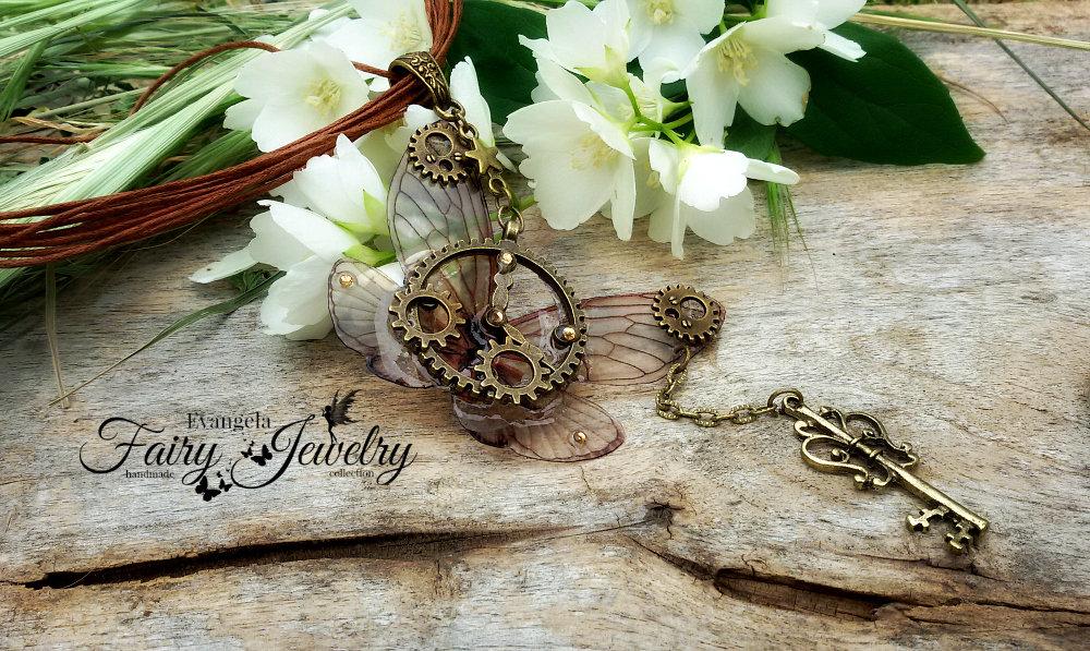 Collana steampunk ali di libellula chiave bronzo