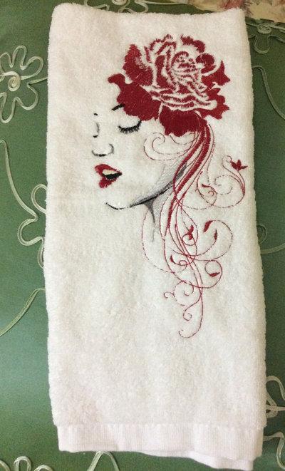 asciugamano ricamato donna rosa red