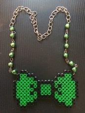 Collana Verde con fiocco in Pyssla