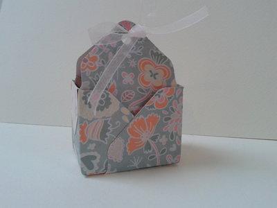 Bomboniera scatolina confetti borsa in cestello matrimonio laurea nascita fantasia floreale
