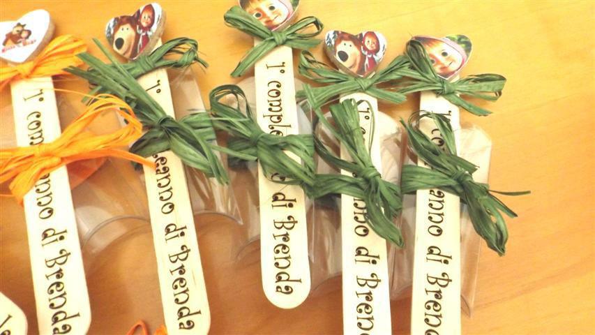 BOMBONIERA COMPLETA  SEGNALIBRO mod. 3  MASHA E ORSO - PERSONALIZZABILE - compleanno - battesimo nascita - -no fimo
