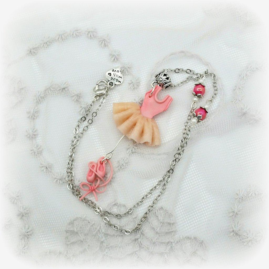 Collana con ciondolo tutù rosa