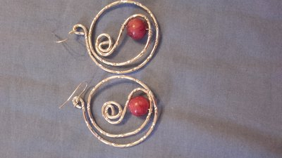 orecchini filo metallico