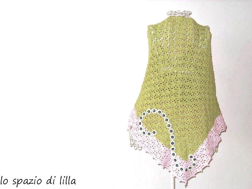 Scialle pareo crochet in cotone verde e rosa con passamaneria e perline
