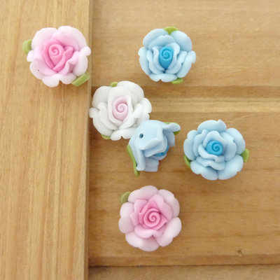 6 Rose in Fimo 15 mm perle col. misti