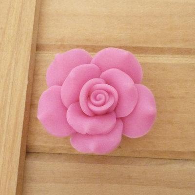 1 Rosa in Fimo 40 mm perla col. fucsia
