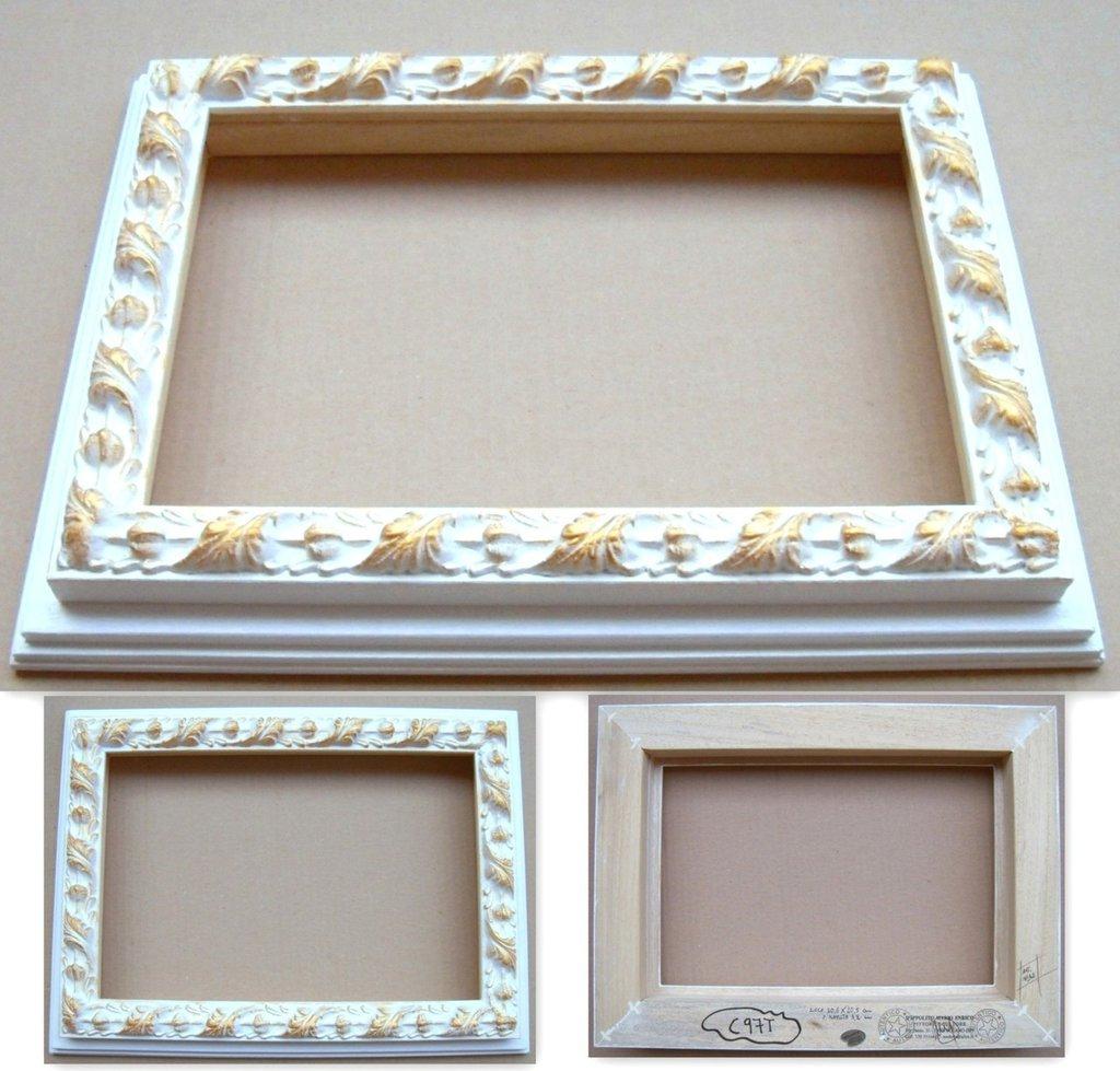 Cornici cornice barocco dautore firmata lucida bianca for Cornice bianca foto