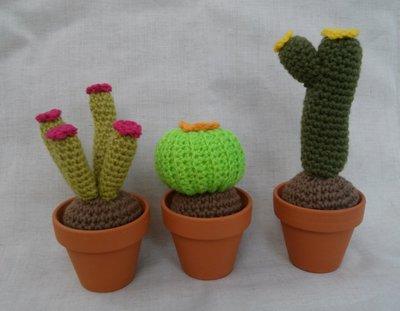 3 Cactus amigurumi