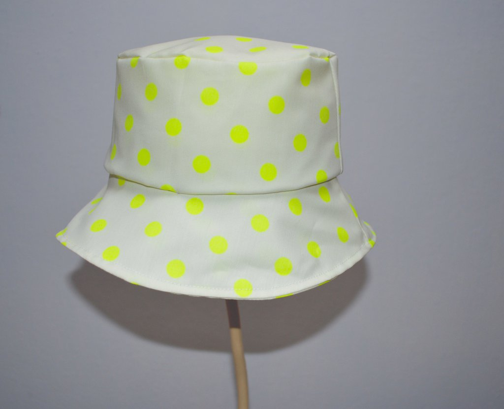 Cappellino per il sole modello pescatore in tessuto