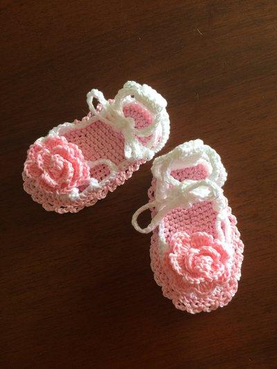 Sandali scarpine uncinetto bimba neonata bianco rosa