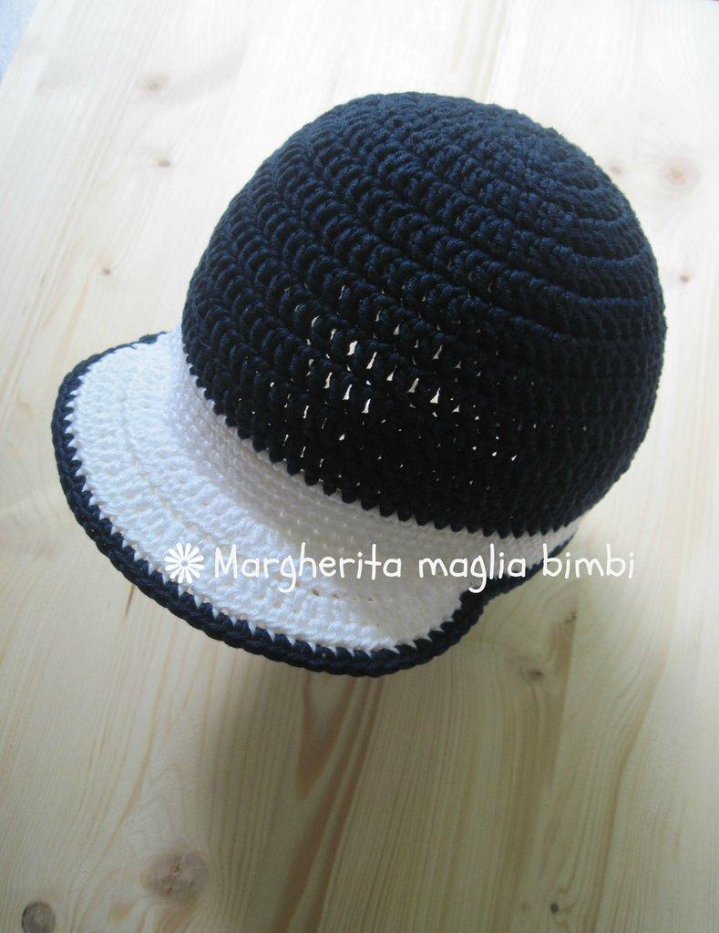 Cappellino bimbo con visiera lavorato all uncinetto in puro cotone bianco  ... c611d57abd03