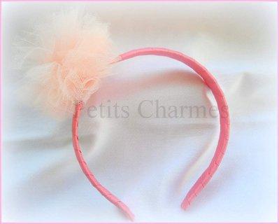 Cerchietto  rosa in grosgrain e pon pon in tulle rosa cipria