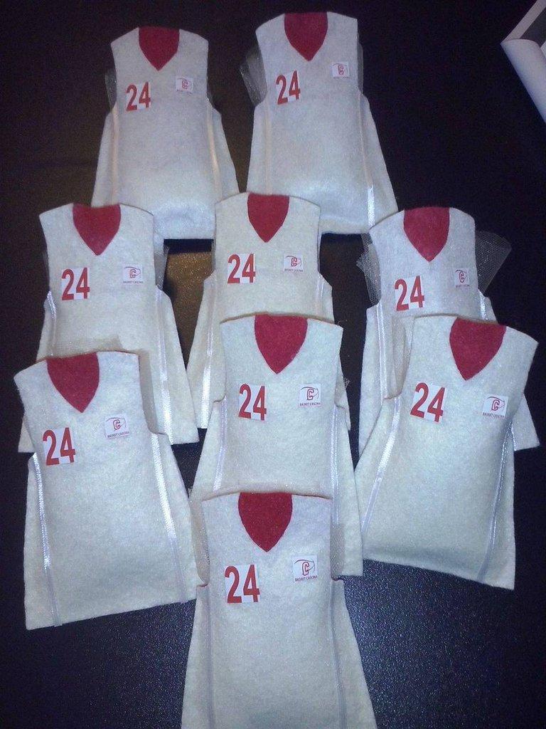 sacchetti per confetti segnaposto fai da te maglia basket artigianale