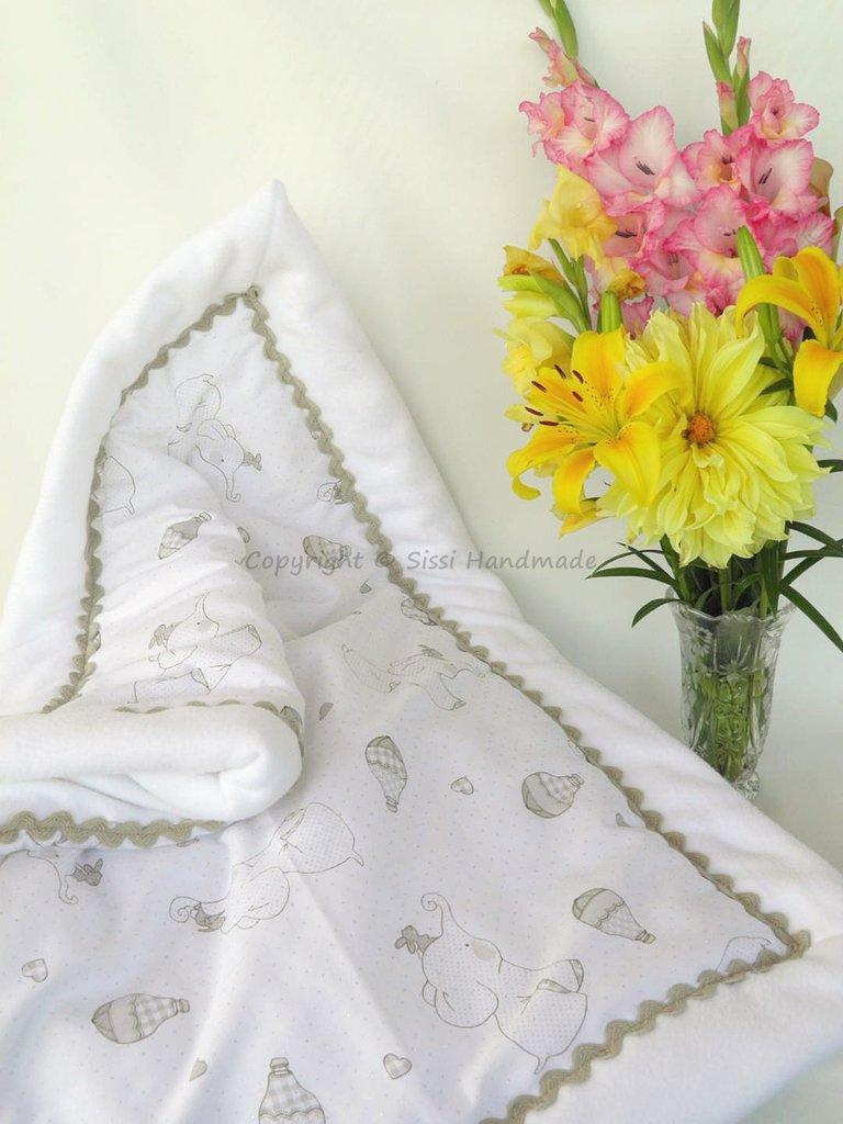 Coperta neonato in pile bianco ideale per l'inverno