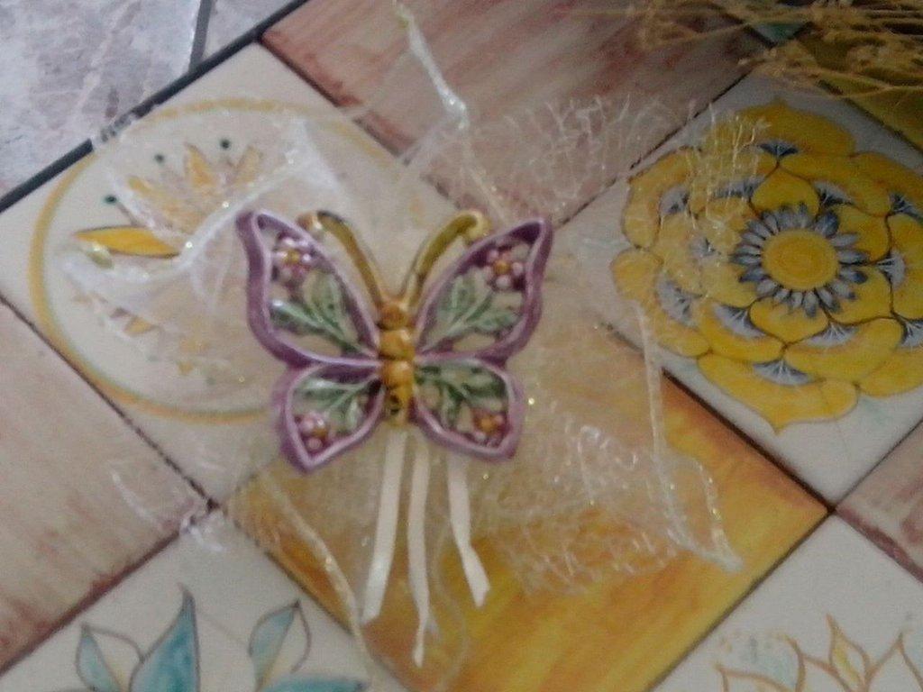 Farfalline traforate in ceramica feste bomboniere di for Oggetti antichi in regalo