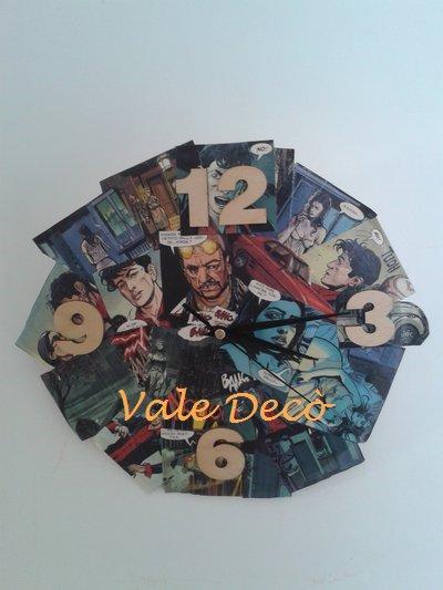 """Orologio """"fumetto"""" di Dylan Dog in legno"""