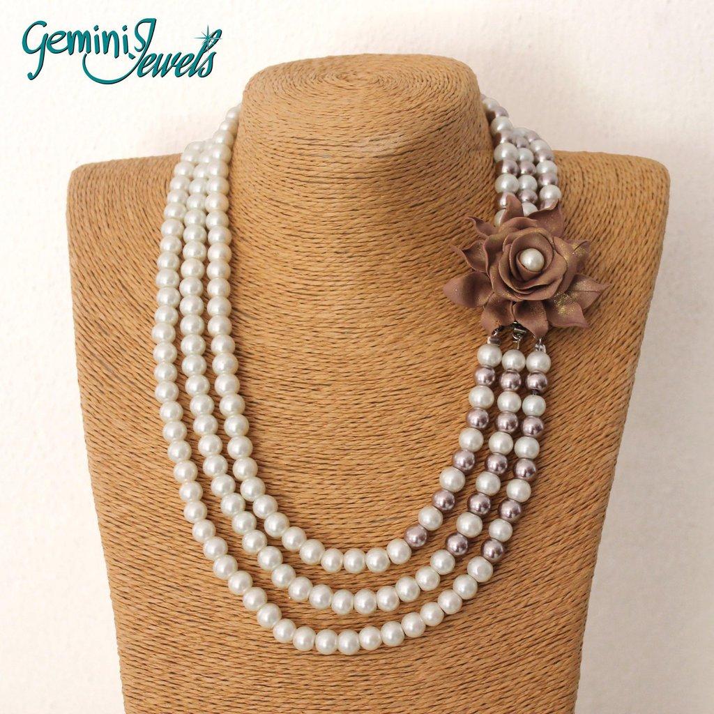 Collana di perle con fiore in fimo, fatto a mano