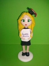 cake topper statuina ragazza laureata in pasta polimerica