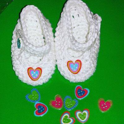 Scarpette realizzate ad uncinetto  bianche in cotone